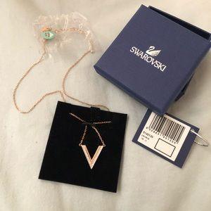 Swarovski Delta Necklace | rose gold plating